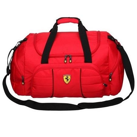 Ferrari sportovní taška v červené barvě (Luxusní sportovní červená taška značky Ferrari)