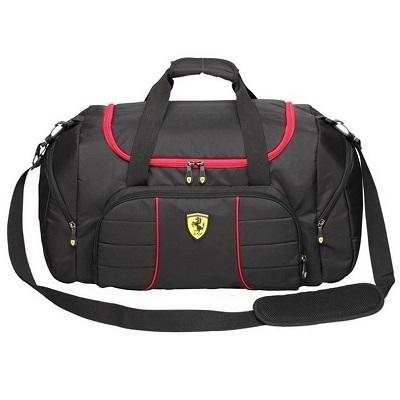 Ferrari sportovní taška v černé barvě (Luxusní sportovní černá taška značky Ferrari)