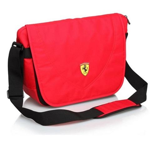 Ferrari taška přes rameno (Brašna přes rameno v červené barvě značky Ferrari)