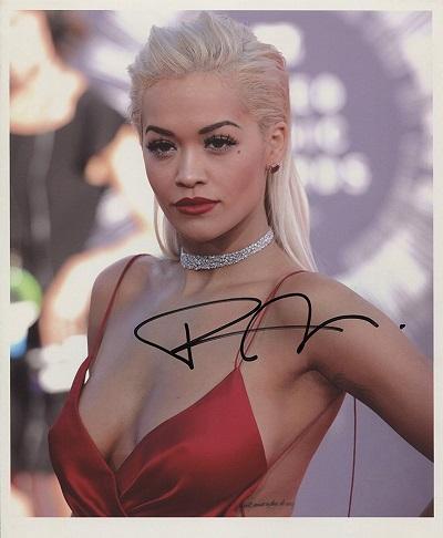 Rita Ora fotografie s podpisem (Originální fotografie Rita Ora)